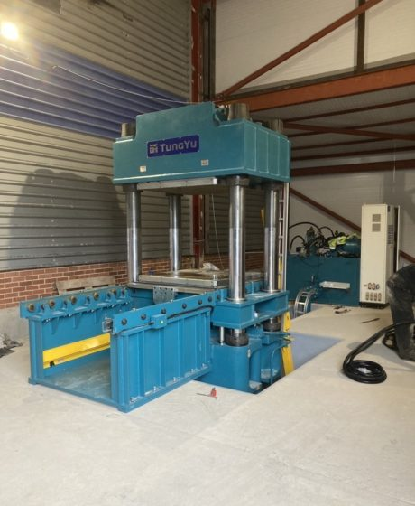 New 1000 Tonne press 2